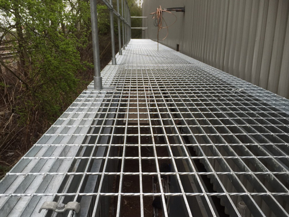 steel grid floor